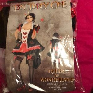 queen of wonderland halloween costume women